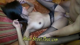 Quiet Asian Hotty Gulps Sperm