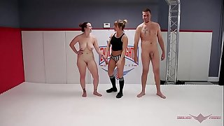 Big-titted Mummy Bella Rossi summons Max Blunts in an all out wrestling match